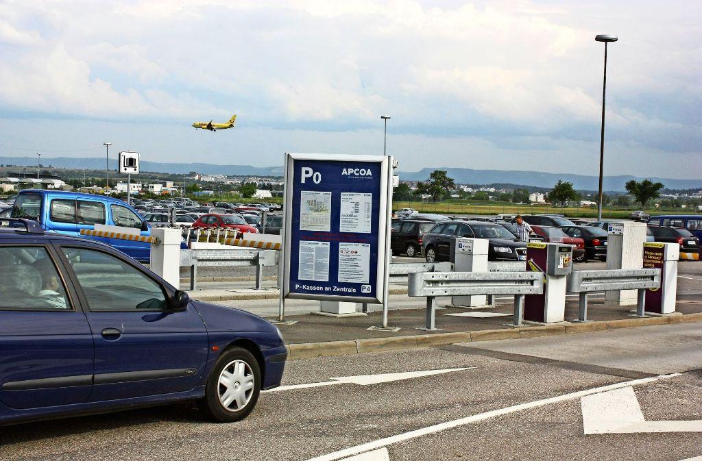 Der Flughafen braucht mehr Parkplätze. Foto: Archiv Natalie  Kanter