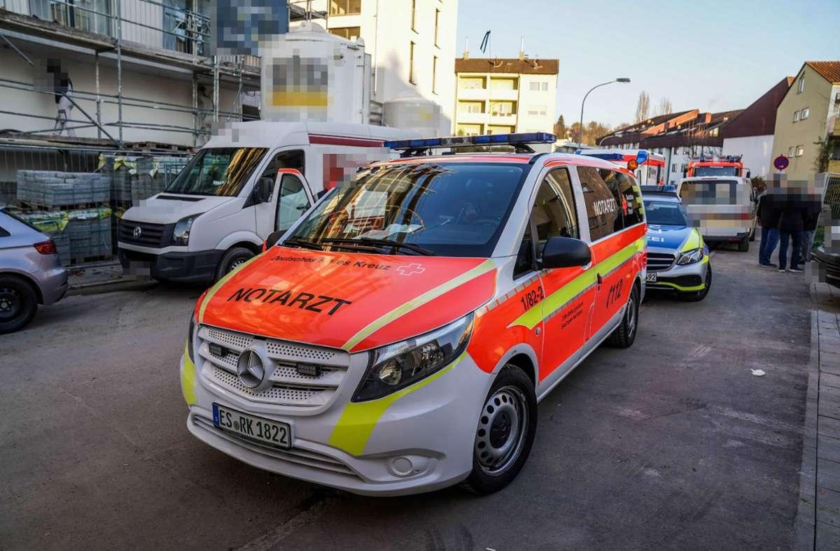 Der Notarzt brachte die Verletzten ins Krankenhaus. Foto: SDMG//Kohls