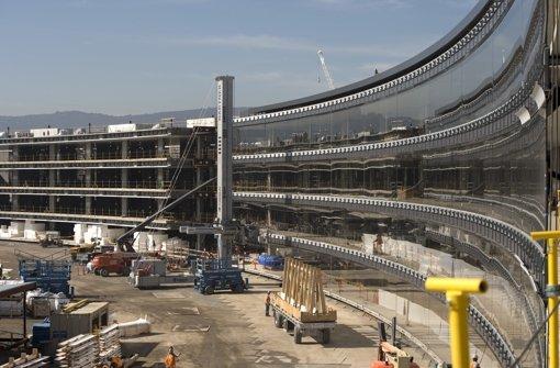 Der neue Apple-Campus bietet künftig eine Fläche 260 000 Quadratmeter und soll 2017 eröffnet werden Foto: epa