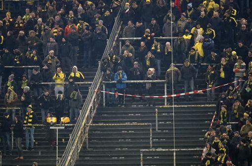 Tausende Fans boykottieren Montagsspiel in Dortmund