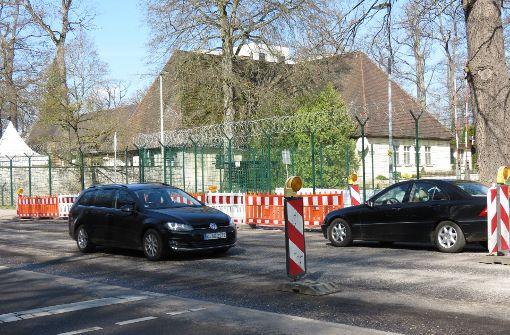 Autofahrer sind genervt vom Stau vor der Kaserne