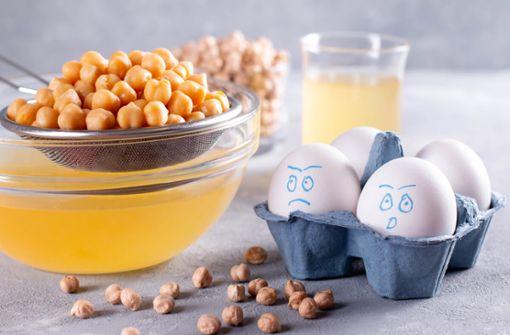 Hier zeigen wir Ihnen 12 Alternativen für Eier beim Backen. Die besten Ei-Ersätze für Kuchen und Gebäck im Überblick.
