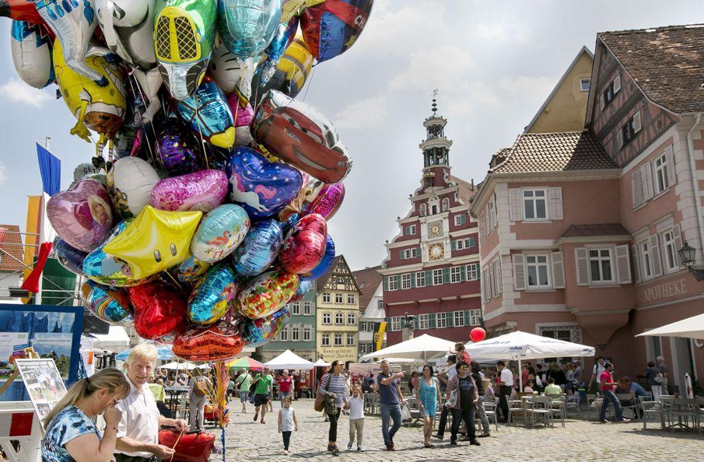 In Esslingen gibt es genug Platz für öffentliche Feste. Eines der buntesten Events ist das Bürgerfest. Foto: Horst Rudel. Foto: