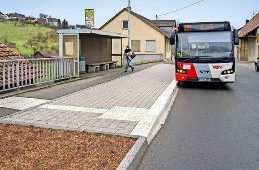 Barrieren an den Bushaltestellen