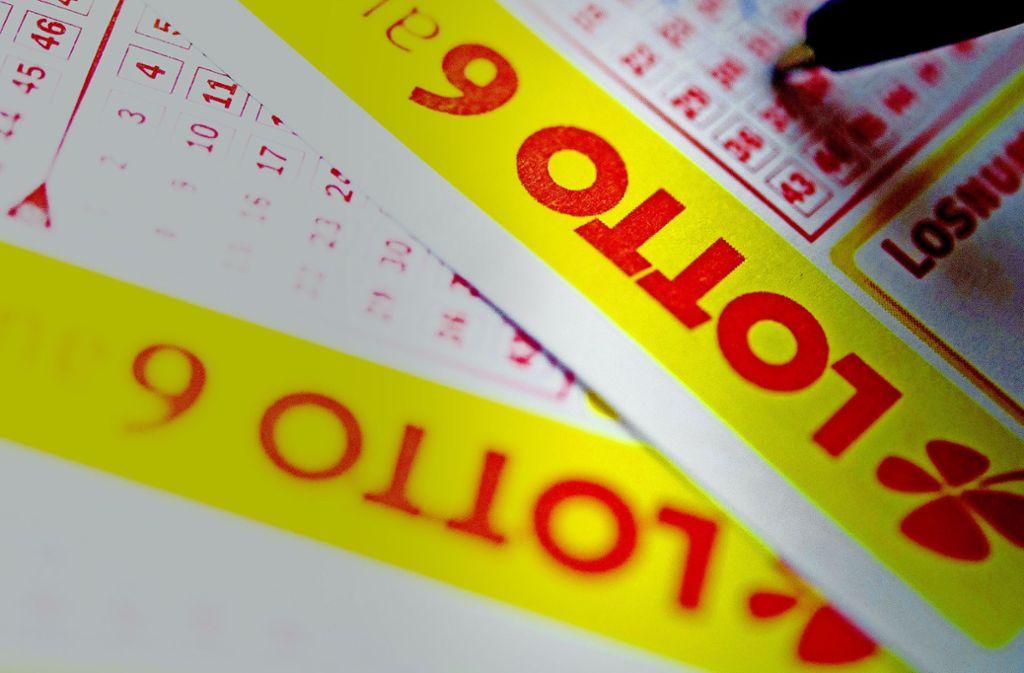 Die traditionelle staatliche Lotterie verliert Spieler – vor allem an illegale Onlineanbieter. Foto: dpa