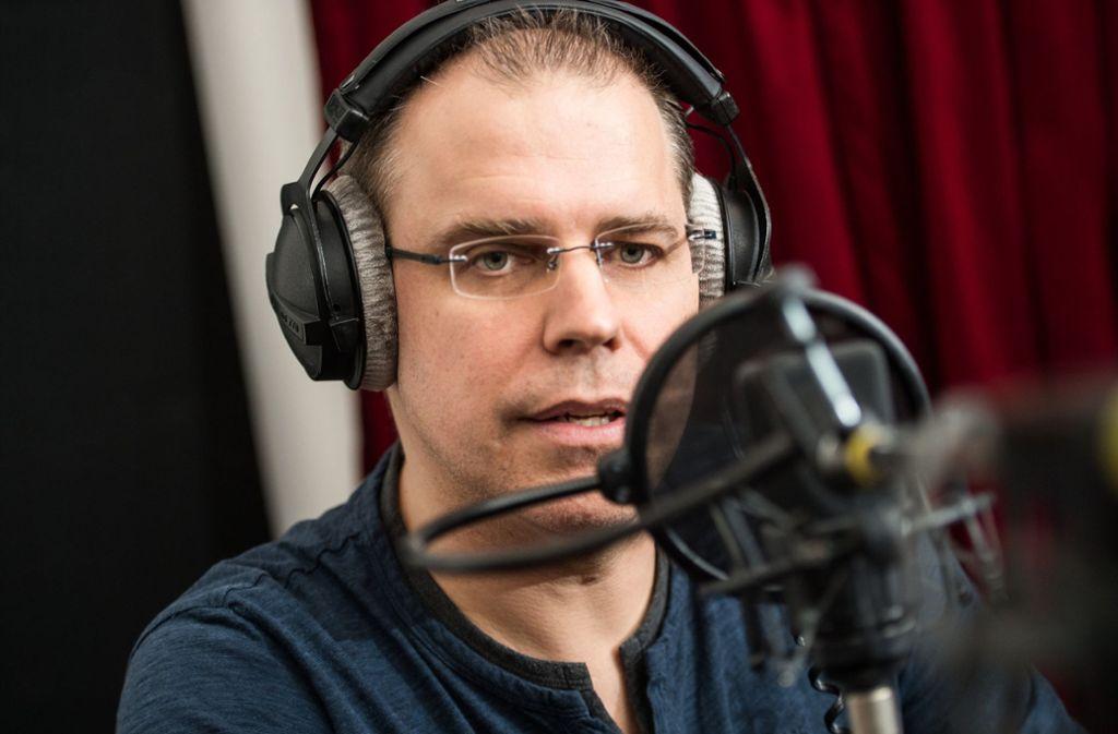 Heiko Grauel verleiht den deutschen Bahnhöfen eine neue Stimme. Foto: dpa