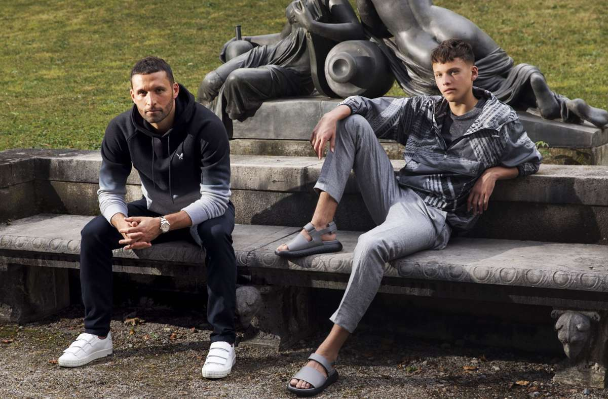 Vater und Sohn im Stuttgarter Lapidarium. Foto: StZ Magazin/Markus Burke