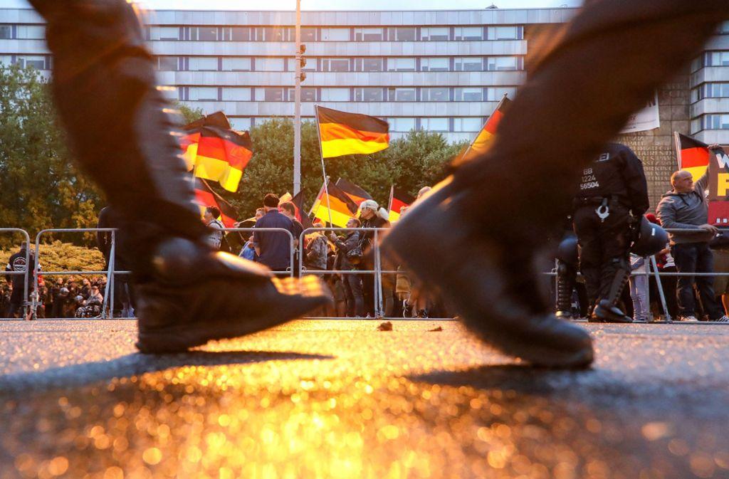 """Der Verfassungsschutz nimmt die Bürgerbewegung """"Pro Chemnitz"""" unter die Lupe. Foto: ZB"""