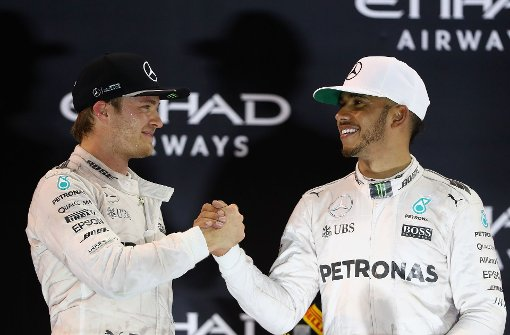 Hamilton gratuliert Rosberg zum Titel