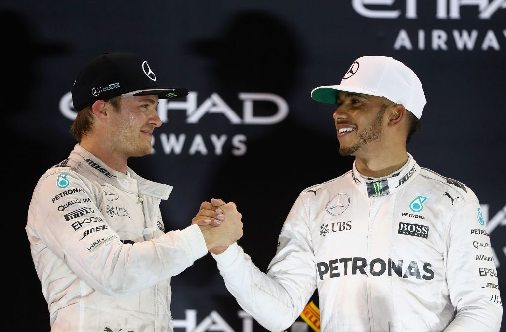 Der neue und der alte Formel-1-Weltmeister: Nico Rosberg mit seinem Teamkollegen Lewis Hamilton. Foto: Getty Images Europe