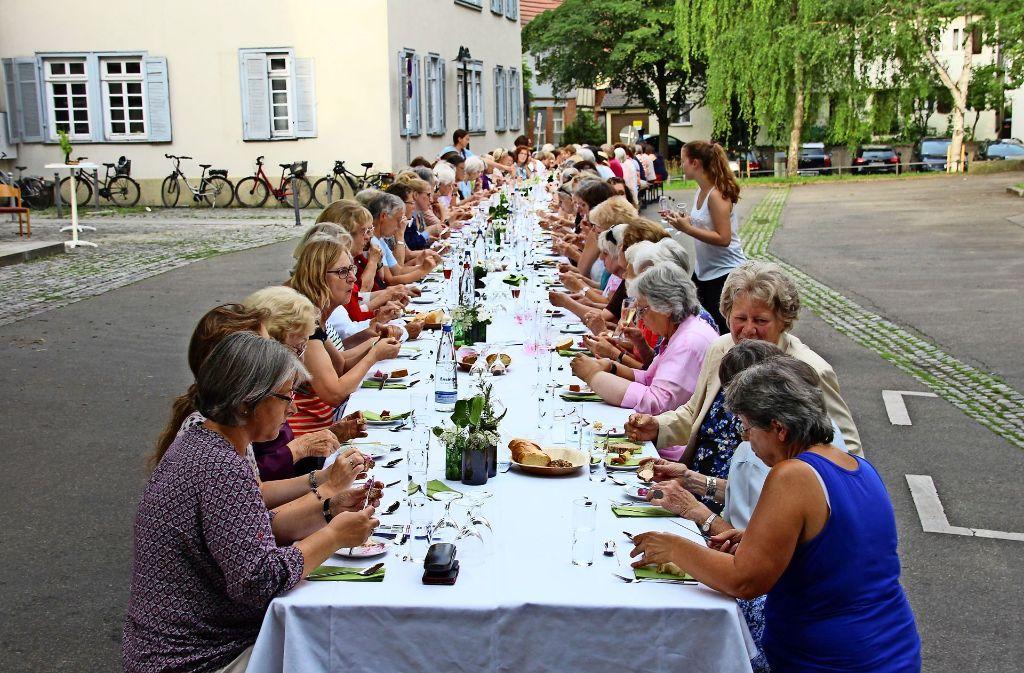 120 Frauen kamen zum ersten Frauenmahl nach Möhringen. Foto: Sabrina Höbel
