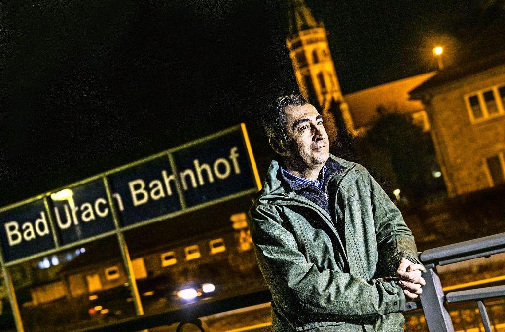 Um die durch Bad Urach führende Ermstalbahn zu erhalten, organisierte Cem Özdemir in seiner Jugend Sonderzüge mit der Dampflok. Heute ist die Elektrifizierung der Strecke geplant. Foto: Horst Rudel