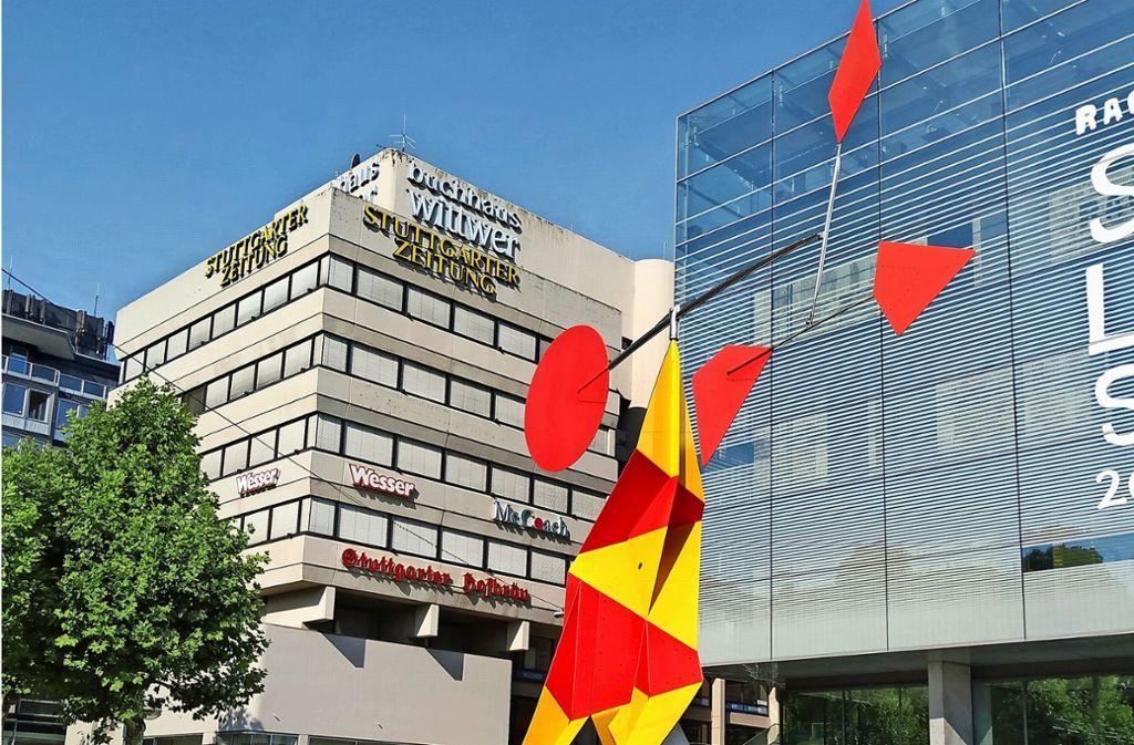 """Crinkly avec disque rouge"" heißt Alexander Calders Skulptur. Foto: /Hans Jörg Wangner"
