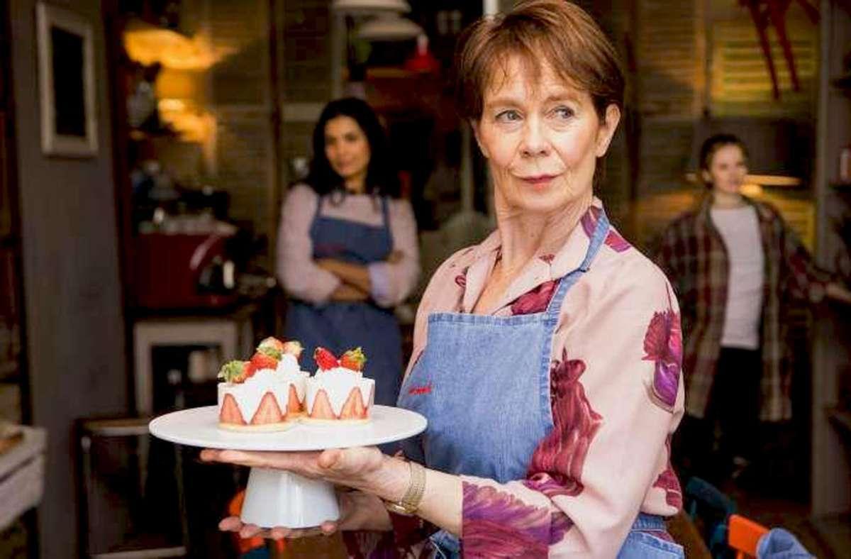 Drei Generationen führen gemeinsam eine Bäckerei – und das mit Liebe. Vorne: Celia Imrie als Mimi. Foto: Weltkino