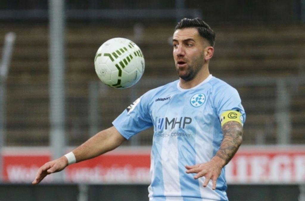 Der Kickers-Kapitän Enzo Marchese wird zur zweiten Mannschaft abgeschoben. Foto: Baumann