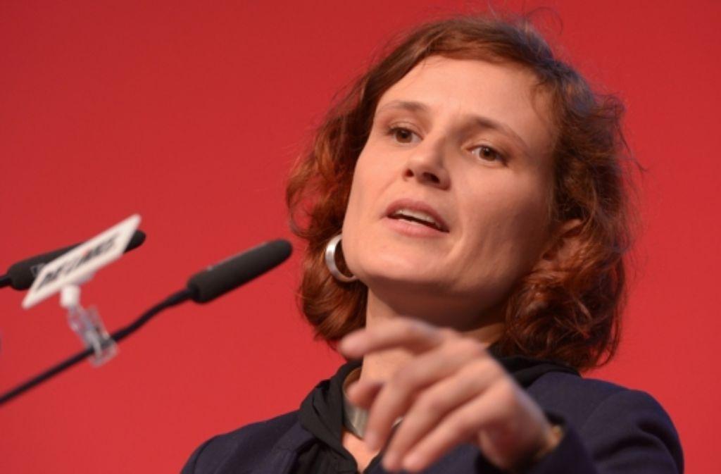 Katja Kipping fordert von der Bundeskanzlerin eine  Sozialgarantie. Foto: dpa-Zentralbild