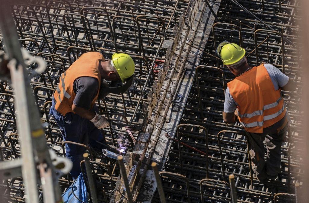 Im ersten Baufeld des neuen Tiefbahnhofs haben die Betonierarbeiten begonnen. Foto: Lichtgut/Max Kovalenko
