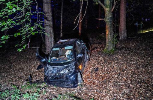 Auto überschlagen – zwei Personen verletzt
