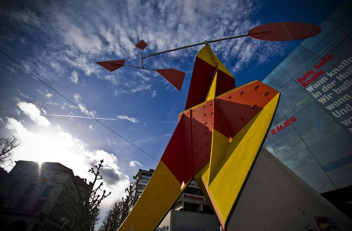 Der beste Platz in der Stadt: Die Calder-Skulptur vor dem Kunstmuseum. Foto: Lichtgut/Max Kovalenko