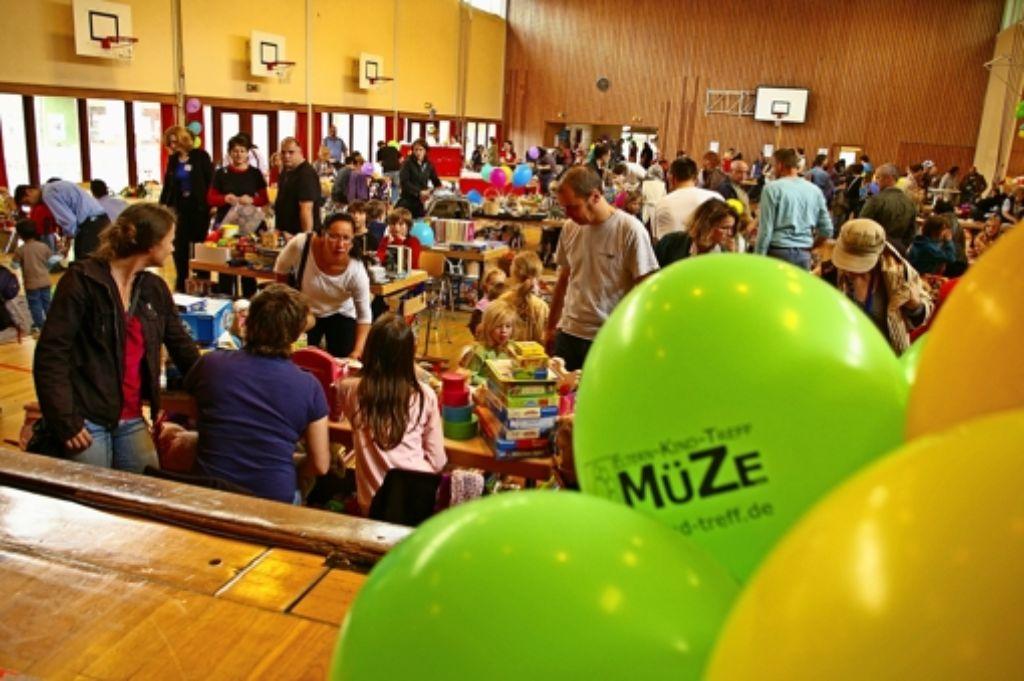 Vor zwei Jahren hat die Müze in der Österfeldhalle ihr 25-jähriges Bestehen gefeiert. Schon damals war das Team auf der Suche nach größeren Räumen. Getan hat sich bis heute nichts. Foto: Alexandra Kratz