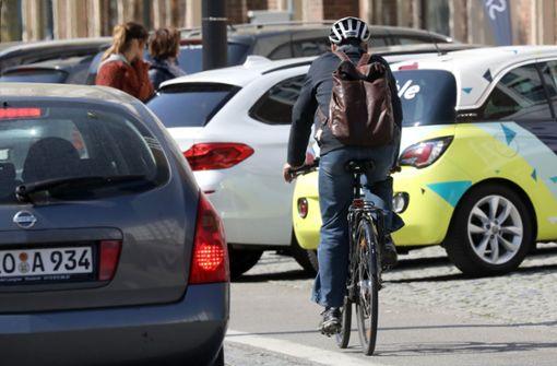 Radfahrer werden oft enger überholt als erlaubt