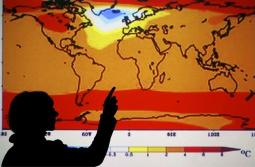 Die Studien zu den Auswirkungen des Klimawandels beruhen auf verschiedenen Zukunftsszenarien. Sie sagen alle eine Erwärmung für die kommenden Jahrzehnte und womöglich sogar Jahrhunderte voraus – wenn auch in unterschiedlichem Ausmaß. In einer Bildergalerie stellen wir zentrale Ergebnisse des neuen Weltklimaberichts vor. Foto: dpa