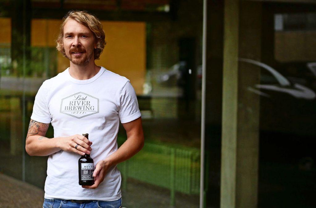 Sven Fuchs möchte sein Bier an der Universität Hohenheim verkaufen. Foto: Eileen Breuer