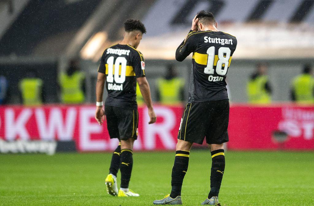 Daniel Didavi und Ozan Kabak wussten in Düsseldorf nicht, wie ihnen geschieht. Foto: dpa