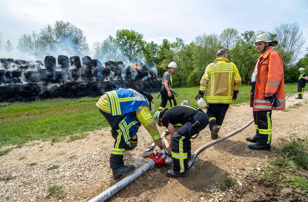 Stundenlang war die Feuerwehr mit den Löscharbeiten beschäftigt. Foto: 7aktuell