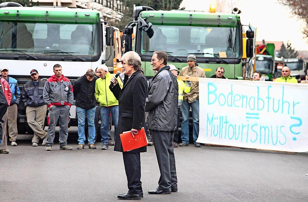 Mit dem Protest hiesiger Bauunternehmer wegen fehlender Deponie-Kapazitäten im Dezember 2013 hat alles angefangen. Foto: factum/Archiv