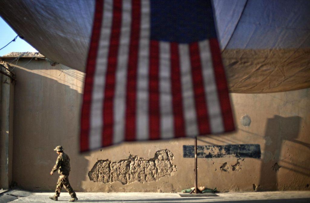 Eine US-Militärmaschine soll in Afghanistan abgeschossen worden sein. (Symbolbild) Foto: AP/David Goldman