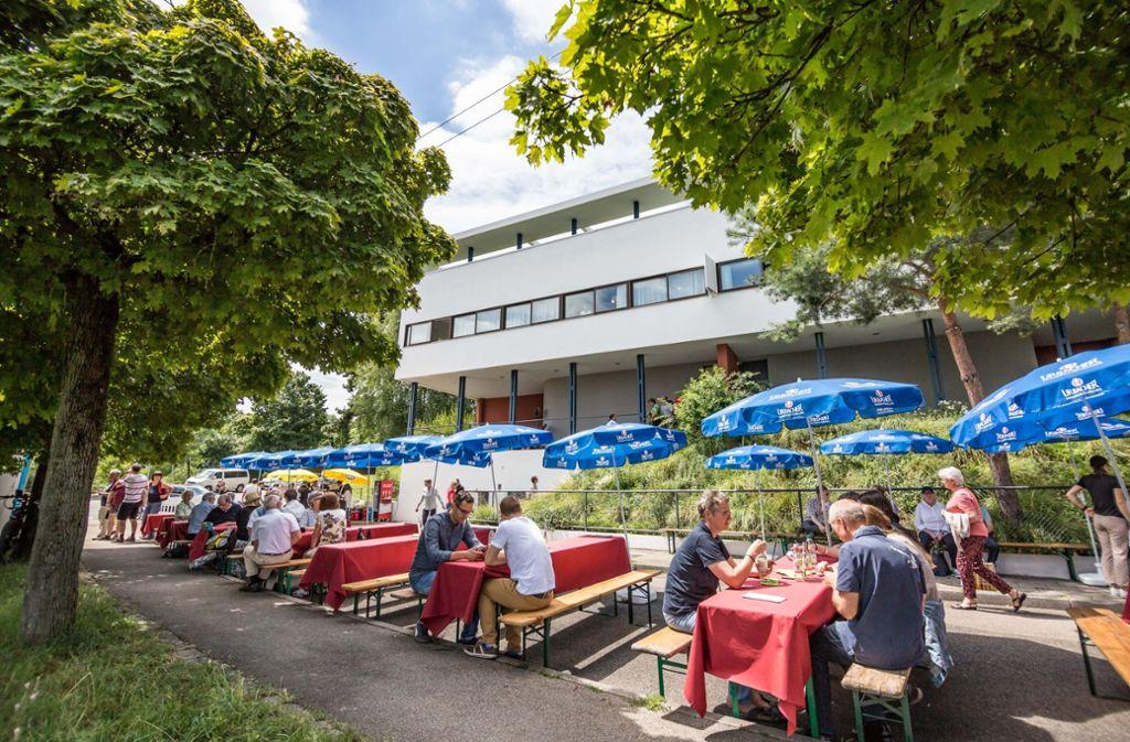 Das Bild zeigt das Sommerfest am Killesberg im Jahr 2016. Dieses Jahr müssen die Veranstalter ohne die Sonntagsöffnung der Geschäfte planen. Foto: Lichtgut/Julian Rettig
