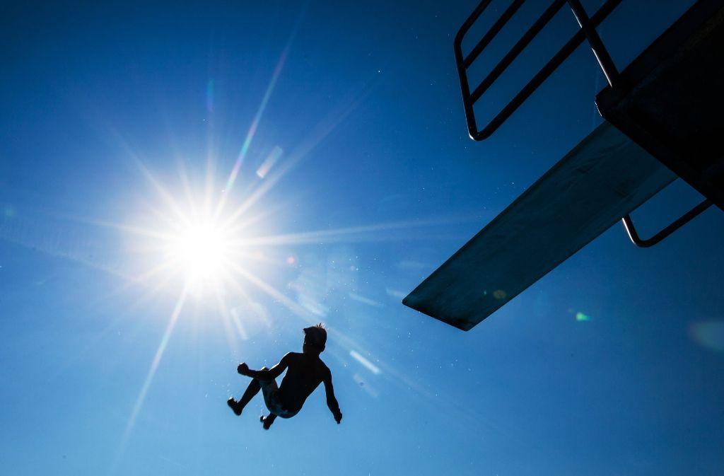 Die Hitzewelle erreicht am Montag ihren vorläufigen Höhepunkt. (Symbolbild) Foto: dpa