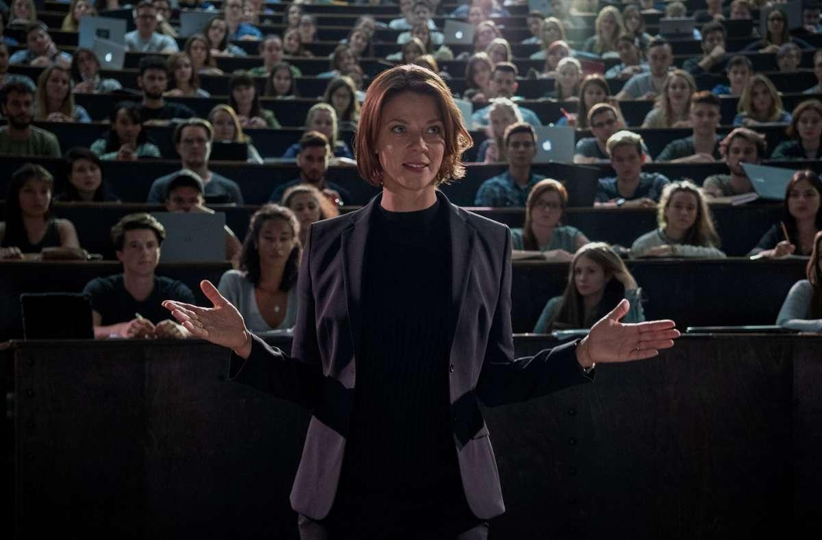 "Jessica Schwarz als Forscherin Tanja Lorenz in der Netflix-Serie ""Biohackers"" Foto: Netflix/Marco Nagel"