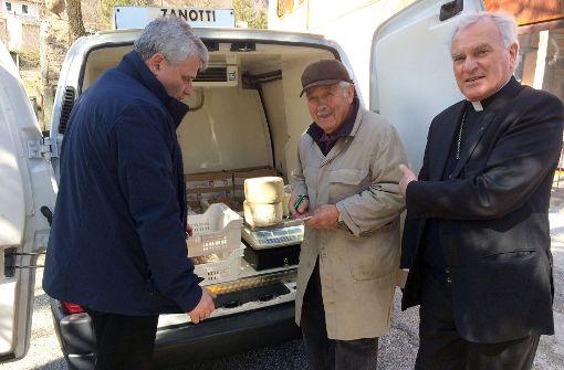 Papst Franziskus kauft bei Bauern in Erdbebenregion