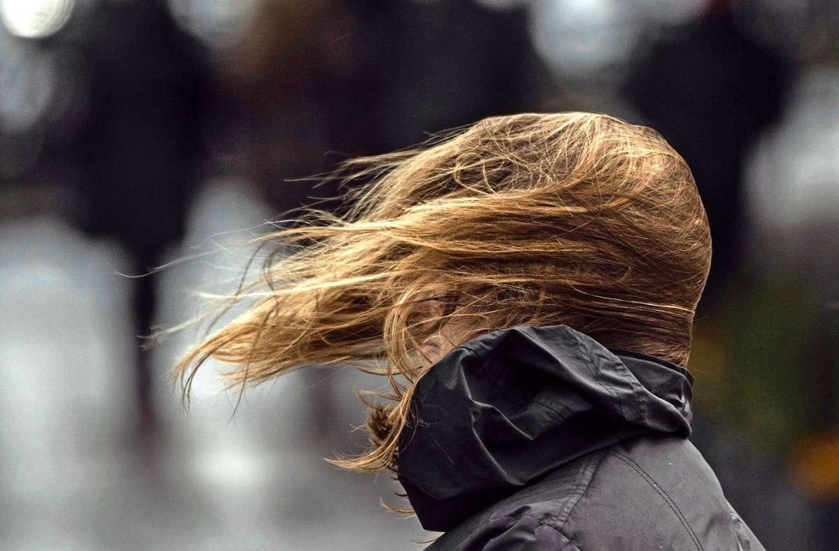 Es wird stürmisch im Südwesten. Foto: dpa/Boris Roessler