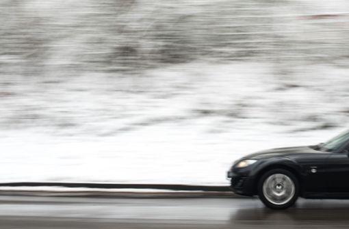Viele Unfälle wegen glatter Straßen