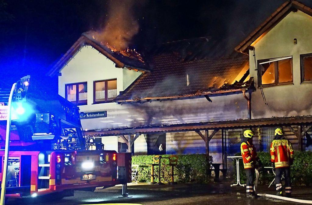 In der Nacht vom 14. Juni hat ein   Brand  das Vereinsheim der  Rutesheimer   Schützengilde  Diana zerstört. Foto: SDMG