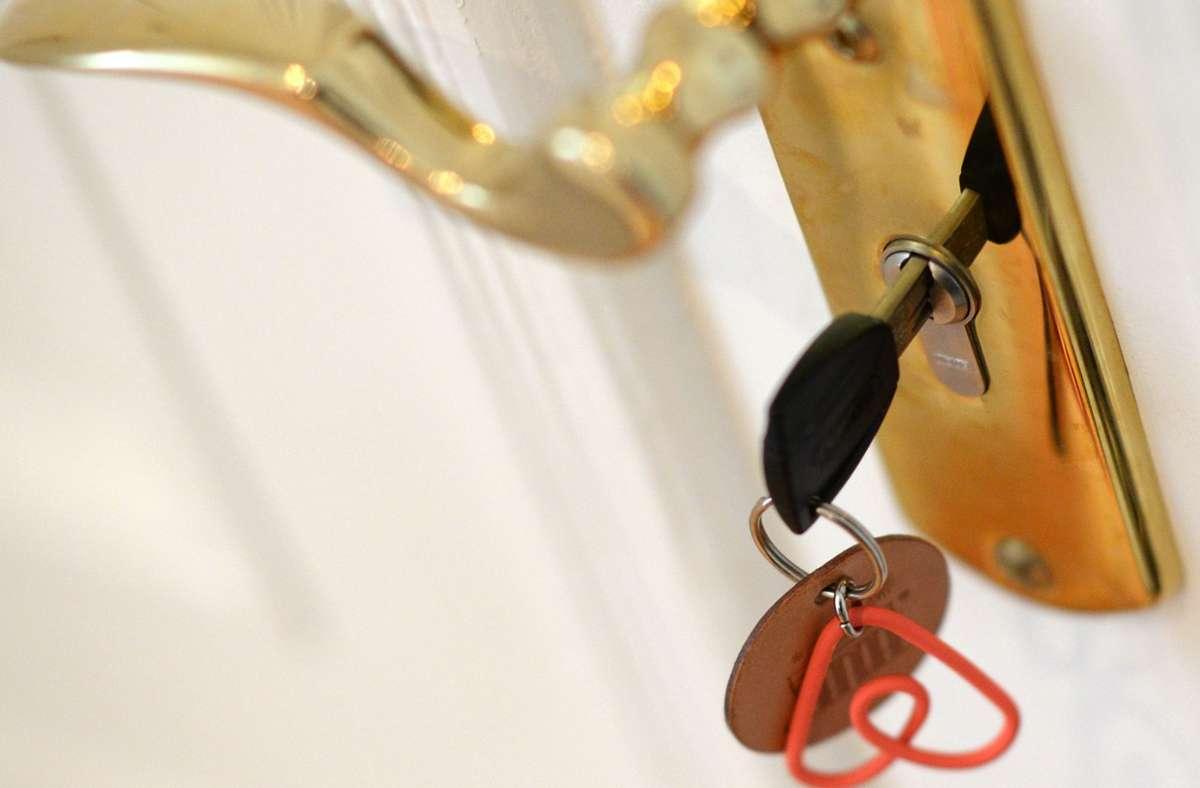 Für 2021 erwartet Airbnb ein Comeback der Reisebranche (Symbolbild). Foto: dpa/Jens Kalaene