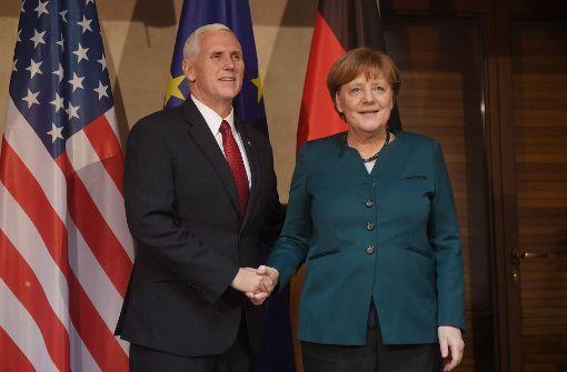 Trump-Vize Pence schwört Europäern Treue