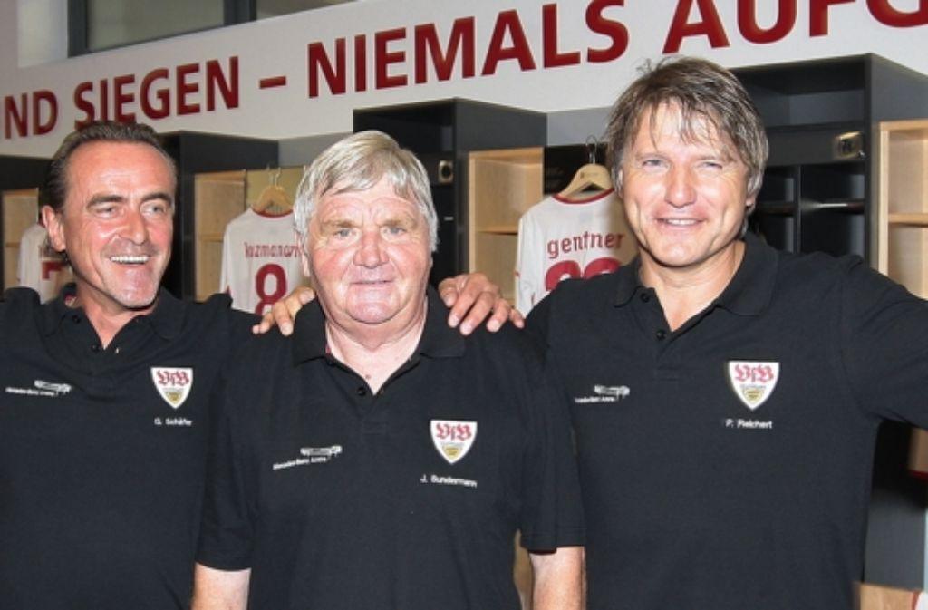 Jürgen Sundermann (Mitte)  mit seinen Talenten  Schäfer (links) und  Reichert Foto: Baumann