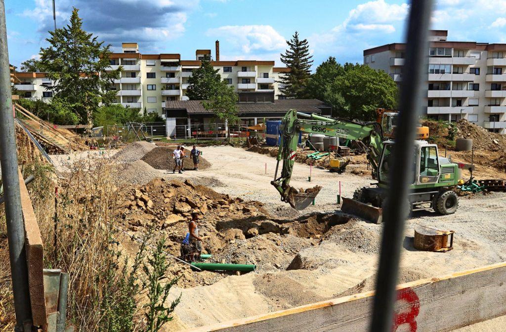 Auf der Baustelle am Kindergarten wird kräftig gebaut. Foto: Andreas Gorr