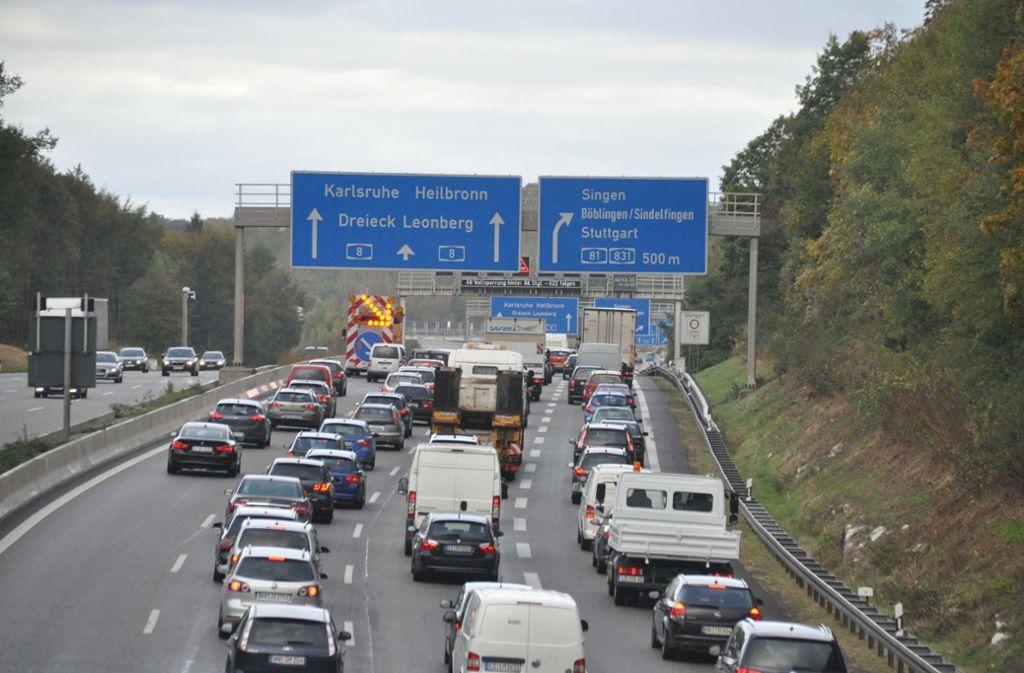 Wenn die Ferien beginnen, können sich Autofahrer auf Stau einstellen (Symbolbild). Foto: Andreas Rosar Fotoagentur-Stuttgart