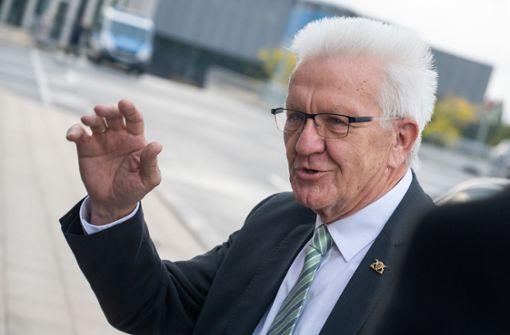 Kretschmann: Kirchensteuer bleibt