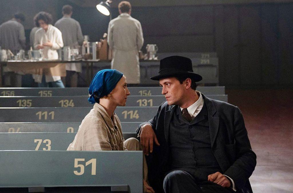 Anna Maria Mühe als     Dörte Helm und August Diehl als Walter Gropius Foto: ZDF