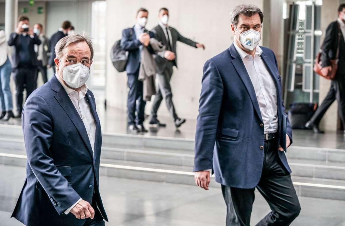 Wer wird Kanzlerkandidat der Union? Armin Laschet (CDU, links) oder Markus Söder? Foto: dpa/Michael Kappeler