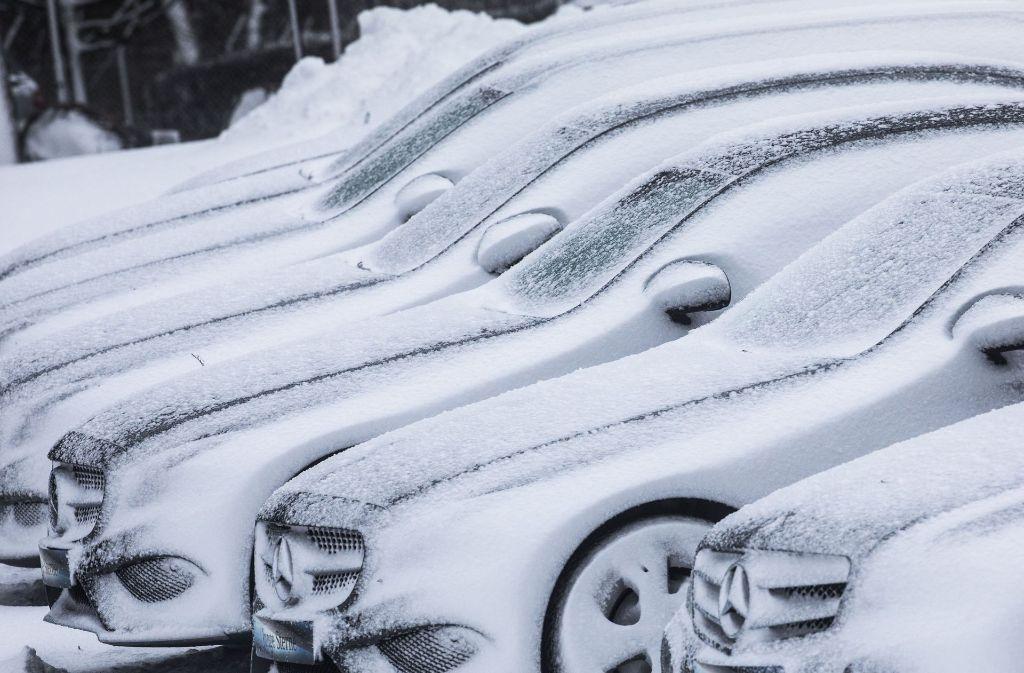 Trotz Winter: neue Wagen waren  auch in der Region Stuttgart begehrt. Foto: dpa