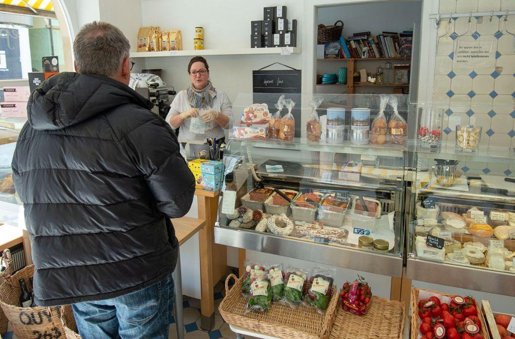 Im Lebensmittelladen Epicerie Fine im Stuttgarter Süden gibt es derzeit den Mittagstisch zum Mitnehmen. Foto: Lichtgut/Leif Piechowski Foto: