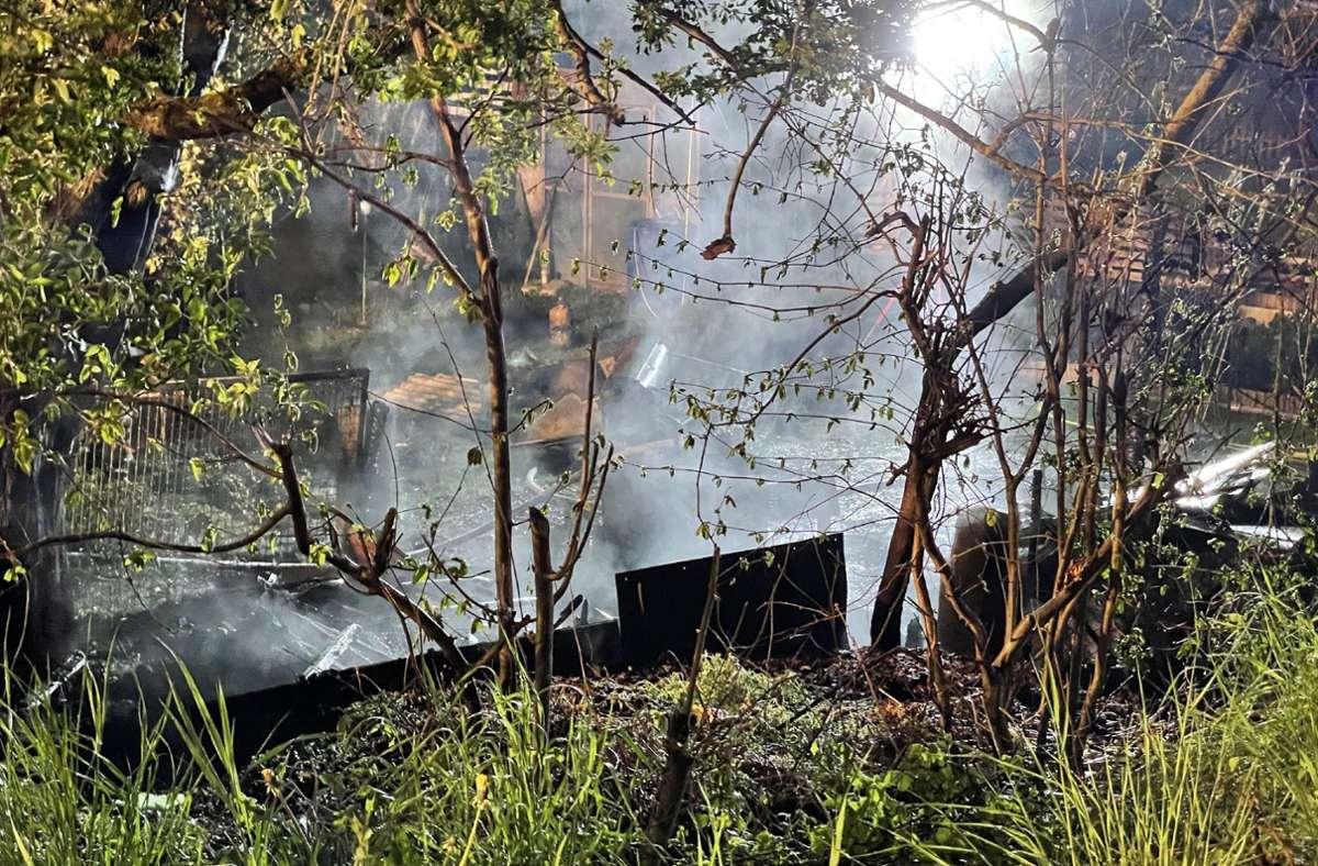 Eine Scheune hatte Feuer gefangen. Foto: SDMG