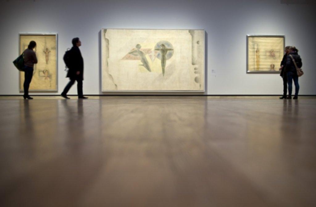 In der Staatsgalerie Stuttgart sind Oskar Schlemmers Visionen einer neuen Welt in Malerei, Skulptur und Bühnenkunst bis zum 6. April 2015 zu sehen. Foto: dpa